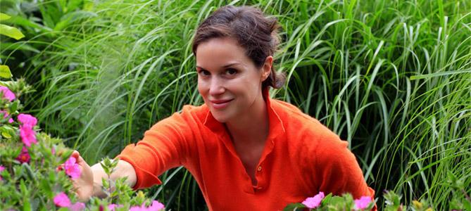 herbalist-elizabeth-peyton-jones